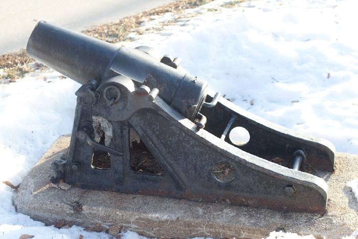 Mortar In Field : War memorials of wisconsin m inch rifled field
